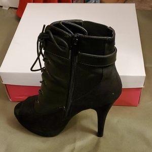 2 Texture Stiletto Boots
